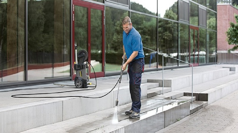 All About Selecting A Company For Commercial Pressure Cleaning