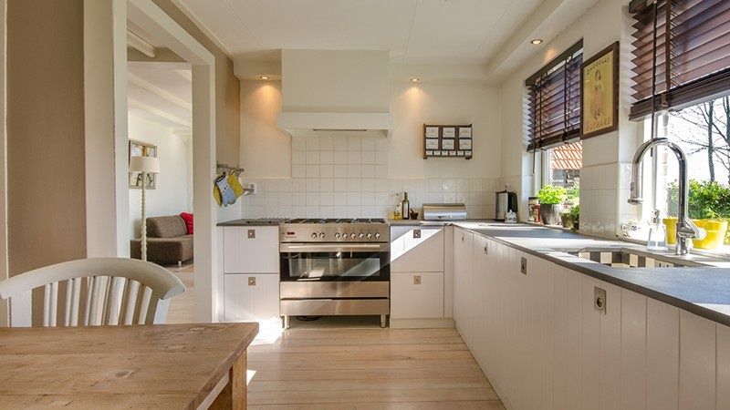 Some Pros and Cons to Consider when Choosing Top Trends for Kitchen Renovation